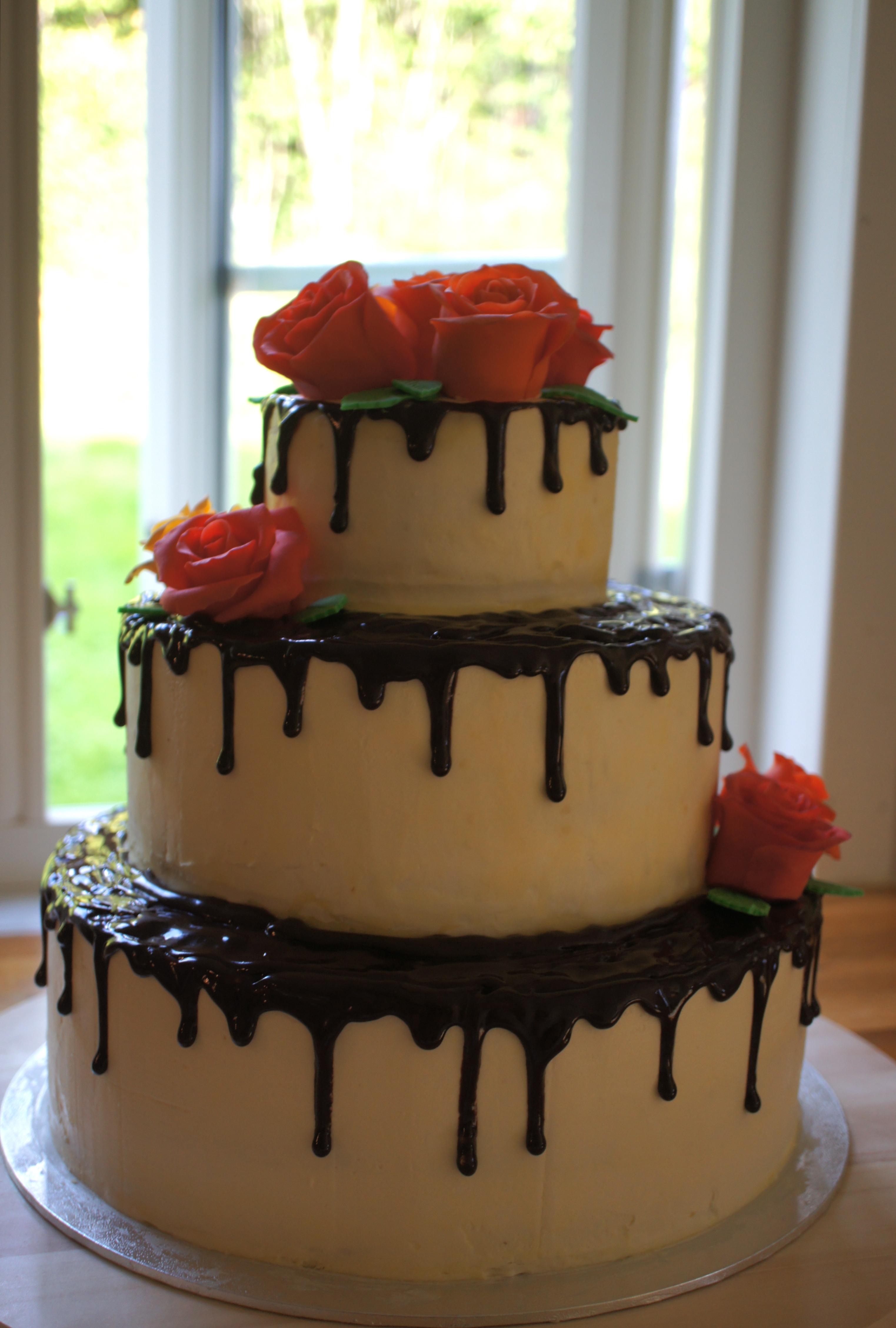 Födelsedagstårta i tre våningar Med mjöl och kärlek